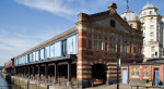 워터쉐드는 영국 남서부 항구 도시 브리스톨에 있는 영국 최초의 미디어 센터로, 지역 사회와의 긴밀한 연대와 전국적, 국제적 협력 관계를 구축하며 독창적 상상의 실현에 앞장서고 있다