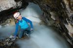 북극 기후 변화에 대한 인류의 지식 향상을 위해 지구의 최북단 동굴을 탐험 중인 지나 모즐리