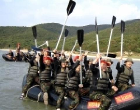 농심그룹 IT서비스 업체 NDS(대표 신재덕)는 직원들의 도전정신과 강인한 정신력 고취를 위해 지난 15일 인천 무의도(실미도)에서 250여명의 전직원이 참석한 가운데 해병대 훈련...