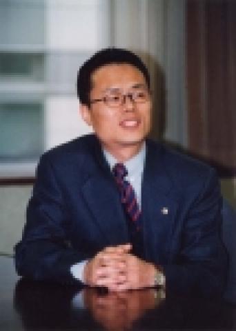 올해로 14년째 푸르덴셜 라이프플래너(Life Planner)로 근무 중인 임재만(45)씨는 지난 11년(550주) 동안 한 주도 거르지 않고 매주 3건 이상 보험계약 체결이라는 ...