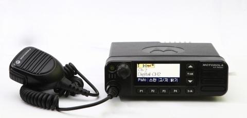 어떤 작업 환경에서도 스마트한 통신을 제공하는 XiR™M8600 시리즈