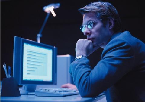 직장인 66.8%가 스마트폰 사용 후 눈 건강이 나빠졌다고 응답했다.