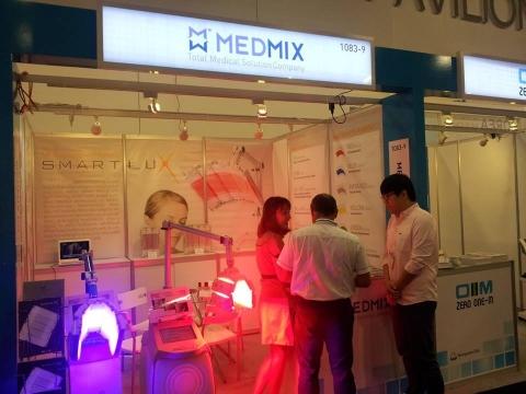 메드믹스는 플로리다 마이애미 의료기기 전시회 FIME 2013에 참가, 광치료기기 스마트룩스를 전시한다고 밝혔다.