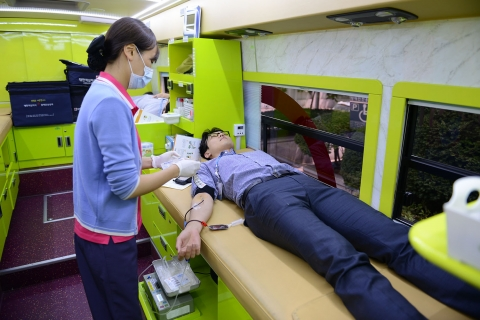 새마을금고중앙회 직원들이 헌혈 캠페인 및 헌혈에 참여한다고 24일 밝혔다