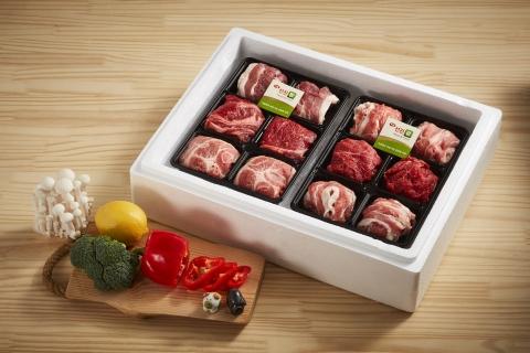 선진은 정유년 설 명절을 맞아 돼지고기 선물세트 14종을 출시했다