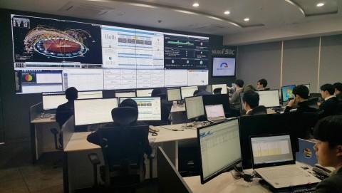 이글루시큐리티가 통합과 인텔리전스라는 새로운 기치를 내걸고 이글루시큐리티 통합보안관제센터를 송파구 문정동으로 확장 이전했다