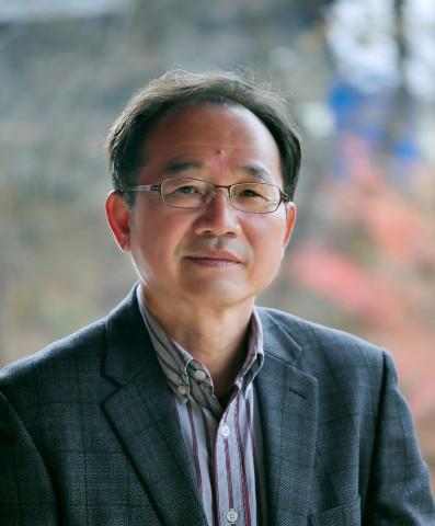 제27회 편운문학상 수상자 신덕룡 시인