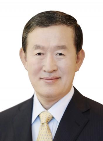 한일 경제계는 한국 청년의 구직란과 일본 기업의 구인란 해소를 위해 적극 협력하기로 합의했다. 사진은 허창수 전경련 회장