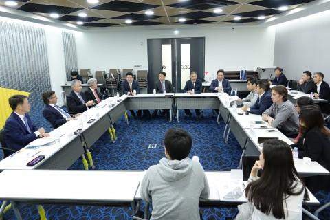 루이스 알베르토 모레노 미주개발은행 총재가 23일 K-ICT 본투글로벌센터에서 열린 한국 스타트업과의 대화 간담회에 참석해 창업 생태계에 대한 심도 있는 이야기를 나눴다