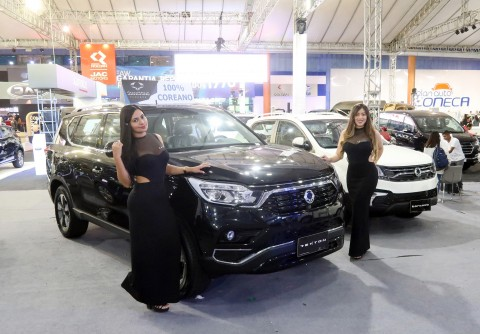 쌍용자동차가 9월부터 중칠레, 에콰도르, 파라과이 등 중남미 시장에 잇달아 렉스턴 스포츠를 론칭하며 글로벌 판매 확대에 박차를 가하고 있다