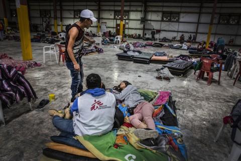 국경없는의사회는 멕시코 누에보라레도 내 보호소에서 미 망명을 대기하고 있는 이민자와 난민을 대상으로 의료, 정신 건강 상담 및 사회복지 서비스를 제공하고 있다
