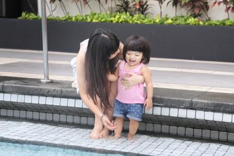 샹그릴라 호텔 방콕에서 즐거운 시간을 보내는 가족