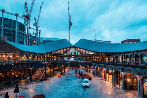 삼성전자가 영국 런던에 브랜드 쇼케이스 삼성 킹스크로스를 개관했다