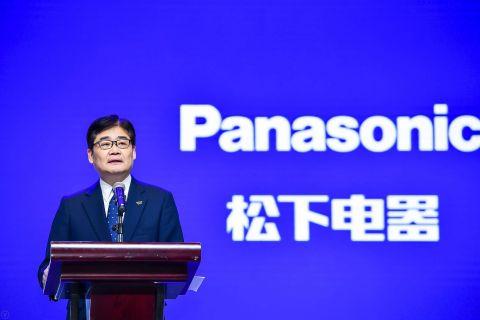 파나소닉 코퍼레이션 전무이사 겸 중국/동북아시아 회사 CEO 혼마 테츠로가 CIIE 2019에서 연설하고 있다