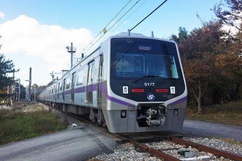 현대로템이 개발한 통합신호장치가 적용된 서울시 5호선 하남선 열차