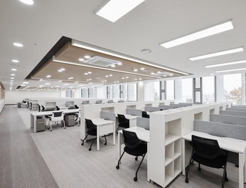 퍼시스가 강남대성학원 의대관 독서실에 조성한 최적의 학습 공간