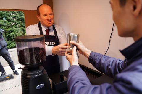 British Embassy Seoul hosted a coffee for zero plastic event to raise the awareness of the need for ...