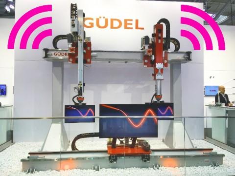 igus 에너지 체인 및 스마트 플라스틱 센서가 장착된 Güdel 자동화 로봇은 상태 모니터링 시스템을 사용해 구성 요소들의 구동 상태를 확인할 수 있다