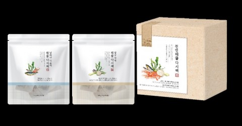 한국암웨이가 정기품 천연 해물다시팩을 출시했다