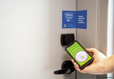 힐튼은 RB/Lysol 및 메이오 클리닉과 협력하여 체크인에서 체크 아웃에 이르기까지 위생 관행을 높이기 위해 새로운 호텔 청결 표준을 정의하고 있다