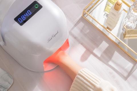 핸드케어 브랜드 리즈캡슐의 LED 핸드마스크가 특허청에서 기술 특허를 받았다