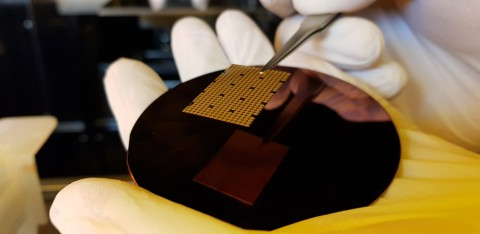The production process of SOS LAB's ML-1 VCSEL light source in the semiconductor manufacturing ...