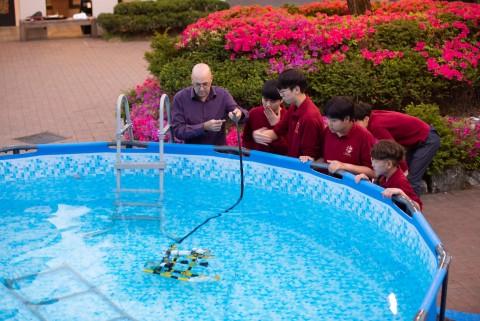아시아대회 2위 수상의 수중로봇팀