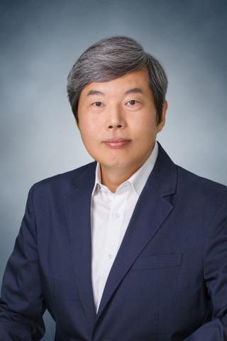 윤철호 저자
