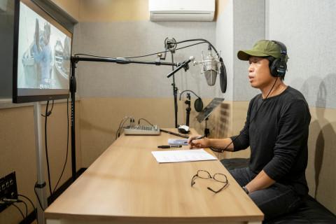 배우 유해진이 국경없는의사회 구호 활동가의 이야기를 담은 다큐멘터리 '에고이스트'의 내레이션에 목소리 재능 기부로 참여했다