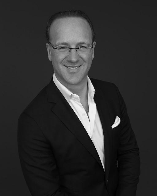 에스티 로더 그룹 사장 겸 에스티로더 및 에이린의 글로벌 브랜드 사장 스테판 드 라 파베리