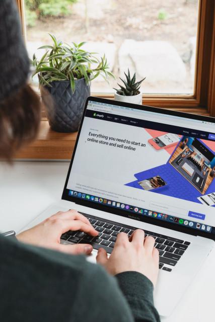 쇼피파이는 공식 한국어 사이트를 오픈했다
