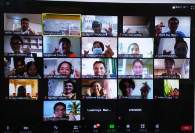 한국보건복지인력개발원이 외국 의료인을 대상으로 비대면 화상 원격 교육을 실시했다