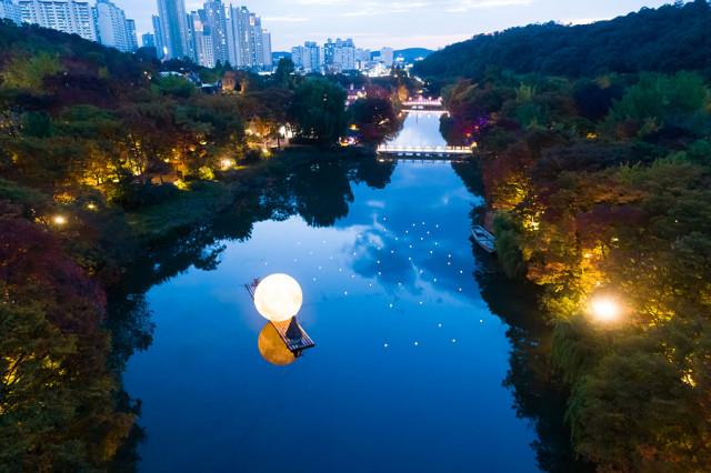 한국민속촌 야간개장 전경