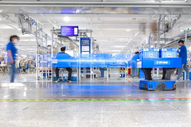 알리바바의 클라우드 컴퓨팅 인프라와 IoT를 기반으로하는 쉰시 디지털 팩토리는 중소기업들에게 완전히 맞춤화 된 수요중심 생산을 가능하게 하는 디지털화 된 종단간 제조 공급망을 제공...