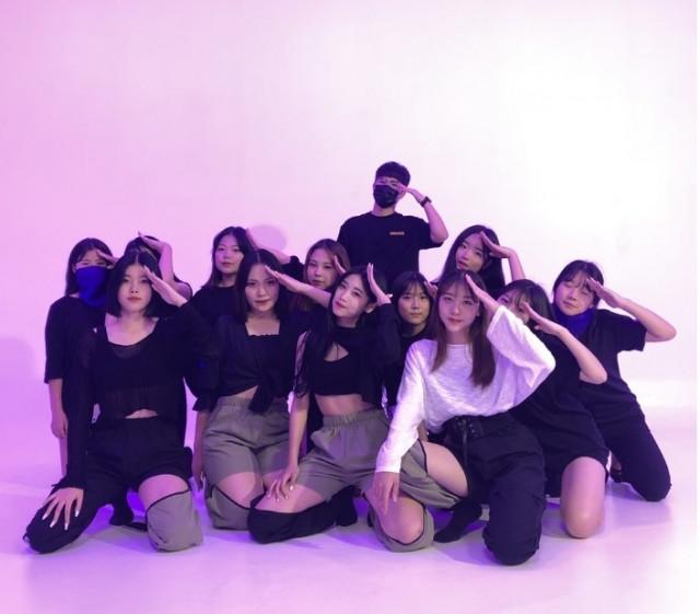 댄스 동아리 '지화자' 단체 사진