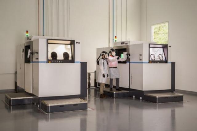 플로리다 할리우드 첨단 제조 시설의 신타비아 M400 프린터 2기