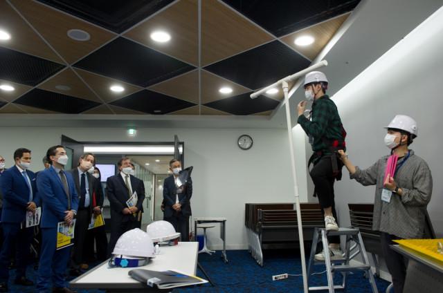10월 21일 온·오프라인 결합 방식으로 열린 한-중남미 스타트업 파트너십 프로토타입 언팩 행사에서 지에스아이엘이 기술시연을 하고 있다