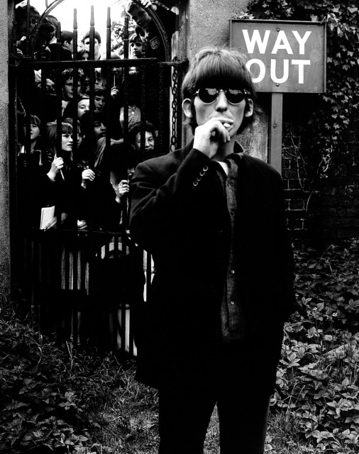 'WAY OUT' (20th May 1966 Chiswick House Grounds, London, England 68.3 x 86.9㎝)