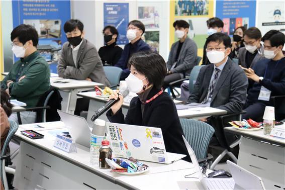 임팩트 스케일 업 심사에 참여한 소풍벤처스 홍지애 심사역