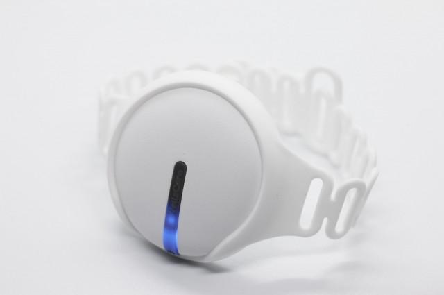 웰스케어의 홈케어 레이저 테라피 디바이스 '이아소'