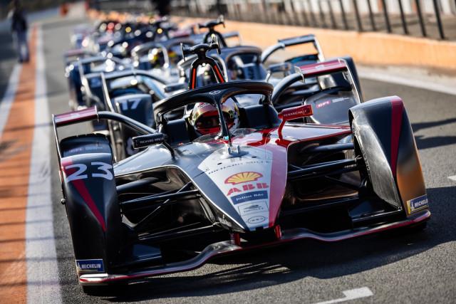 스위스 국적의 닛산 e.Dams 세바스찬 부에미가 스페인 발렌시아에서 11월 28일부터 12월 1일까지 리카르도 토르모 서킷에서 열린 2020-21 ABB FIA 포뮬러 E 월드 ...