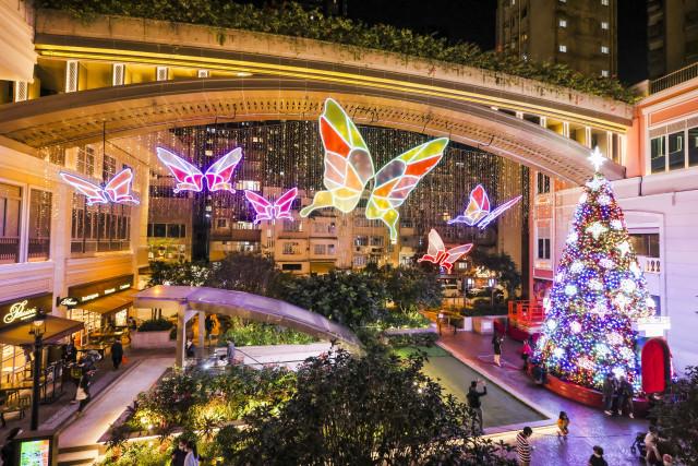 리퉁 애비뉴에서 열린 인터랙티브 아트를 밝히는 세계 최조의 AI 나비
