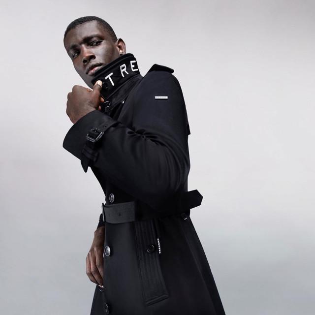 네오코리아가 영국 럭셔리 패션 브랜드 트렌치 런던을 국내에 론칭하고 프리미엄 의류 사업에 뛰어든다