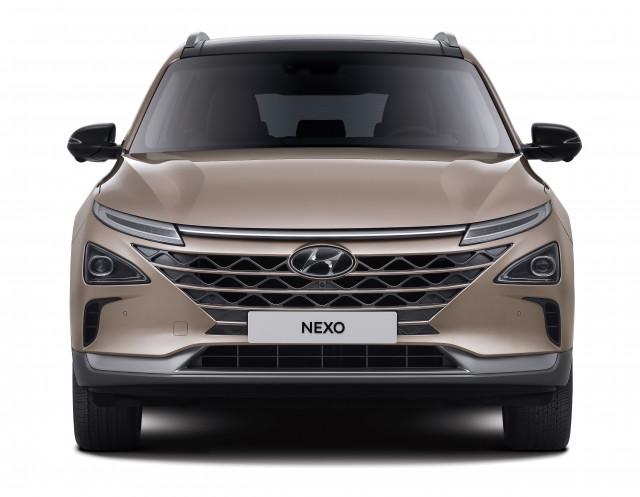 현대자동차가 안전과 편의성을 강화한 수소전기차 2021 넥쏘를 출시하고 본격적인 판매에 돌입했다