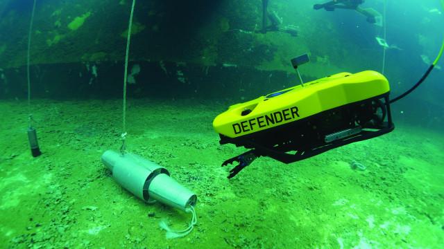 원격조종 수중로봇(ROV)인 VideoRay 디펜더는 가장 열악한 조건 하에서도 정교한 기동성을 구현하기 위해 강력한 추력을 제공하는 고밀도의 견고한 전력 분배 네트워크(PDN)를...
