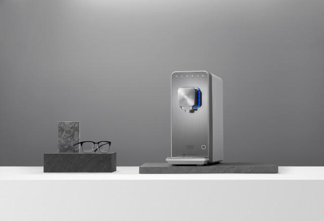 세스코 스마트핏 직수 정수기가 세계적 명성의 디자인상인 'IF 디자인 어워드 2021'에서 제품 디자인 부문 본상을 수상했다