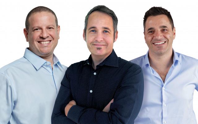 왼쪽부터 조엘 바엘 트랙스 공동 창업자, 저스틴 베하 트랙스 최고경영자, 드로르 펠트하임 트랙스 공동 창업자