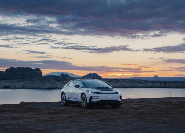 최고로 지능적이고 차원 높은 기술이 적용된 FF 91은 최상의 기술과 최고의 사용자 경험 및 총체적 생태계를 결합한 독보적인 전기자동차 이동성을 제공한다 벨로다인의 고체 상태 라이...