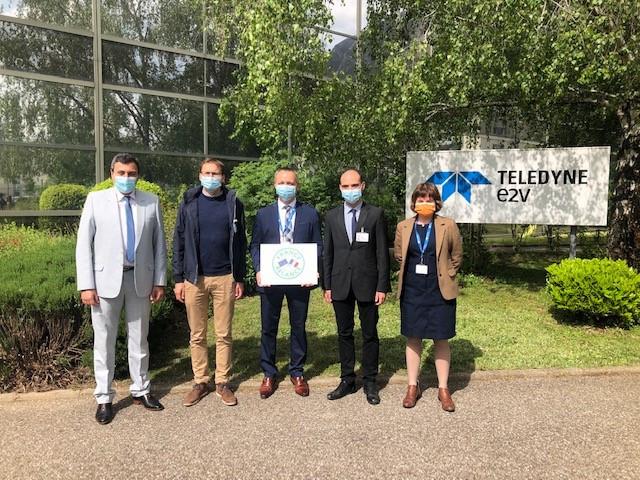 Teledyne e2v Semiconductors가 공장 내 반도체 조립 및 테스트 클린룸 현대화 작업을 시작했다