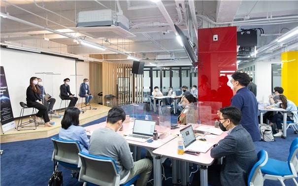 입문캠프에 참여한 소셜임팩트 체인저스 1기, 2기, 투자사